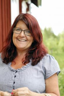 Det leks alldeles för lite i Sverige, tycker Christine Kainu som driver Dockskåpsmuseet i Vireda.