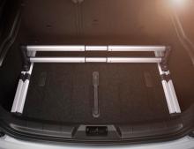 Volvo har många smarta finesser för att göra skuffen användbar. Lastförankringssystemet kostar dock extra.