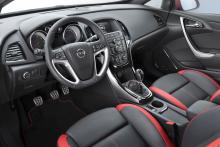 Opel Astra BiTurbo.