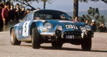 ...för att fira 50-årsjubilerande modellen A110 Berlinette.