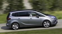 Familjefraktaren Opel Zafira Tourer har plats för sju åkande.