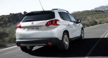 Axelavstånd som Peugeot 208 men 2008 har 20 cm längre kaross.