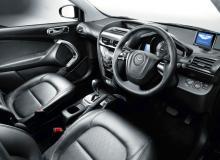 Inuti Cygnet har Aston Martin vräkt på med läder och lyxiga material.