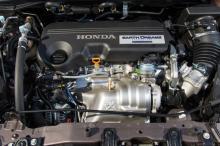 """""""Earth Dreams-motorn"""" är betydligt effektivare och snålare än 2,2-liters dieseln. Koldioxidutsläppen är nere i 119 g/100 km. Bra för en stor suv!"""