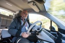 Körställningen är upprätt och sitthöjden något högre än i vanliga bilar. Det ger god överblick.