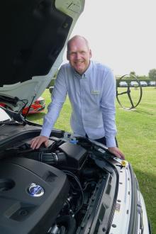 """""""Med de här motorerna passerar vi konkurrenterna"""" säger Jan-Erik Larsson, utvecklingschef på Volvo."""