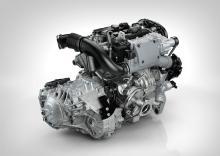Motorerna delar fästen och dimensioner, men överladdningen sker på olika sätt. Här är toppversionen T6 med turbo och remdriven kompressor av så kallad roots-typ. Kompressor på lågvarv, turbo på högre varv, effekt 306 hk.