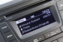 Modern ljudanläggningen med bland annat Bluetooth finns att tillgå.
