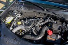 1,2-bensinturbon på 125 hk är ny,  vi rekommenderar 109 hk-dieseln.