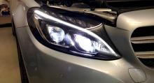 Nya Mercedes C-klass har LED på både hel- och halvljus.
