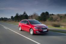 308 Sportwagon är 33 cm längre än 5d-versionen, centimetrar som kommit såväl baksäte som bagage till del.