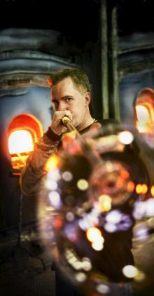 I Glasriket har det blåsts glas sedan 1742. Foto: AB Glasriket