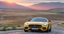 Mercedes-AMG GT drivs av samma bi-turboladdade V8 som nya Mercedes-AMG C 63 men med aningen sportigare trimning.