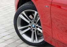 Sport Line innebär bland annat 17-tumshjul i stället för standardmonterade 16-tums.