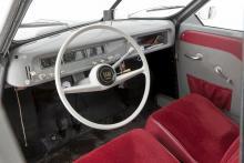 Helt platt golv, rattväxel och frihjul... Sådant gjorde en gammal Saab  speciell och njutbar.