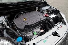 Gaskonverteringen är elegant gjord och för att se ingreppen i motorrummet krävs att man tittar noga.