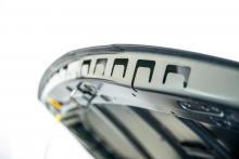 Väl genomluftad motorhuv minskar risken för rost.