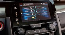 Medieanläggningen, Honda Connect, styrs via en sju tum stor pekskärm.