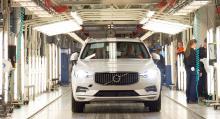 Nya Volvo XC60 rullar av produktionslinan i Torslanda.