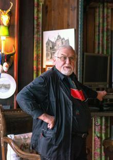 Slottsherren själv, Uwe Schulz-Ebschbach, tänker med tiden ingå i samligen...