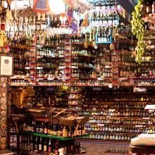 Samlingarna i jaktslottet Iserhatche kan göra vem som helst stum. Just det här rummet härbärgerar öl av alla de sorter.