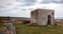 Bunkerturisten springer på mycket annat än bunkrar. Som här på Bjärehalvön: ruinerna av stenindustrin Dagshögs Stenbrott AB som gick i graven för precis hundra år sedan.