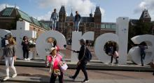 """Amsterdams Rijksmuseum är stadens mest populära, men flera """"måste""""-museum finns – bland annat Van Gogh-museet och Stedelijk."""