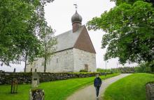 Dönne kyrka har samma byggherre som Nidarosdomen i Trondheim.