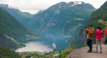 Norge erbjuder gott om fototacksamma utsikter, i det här fallet Unesco-skyddade Geirangerfjorden innan Trollstigen.