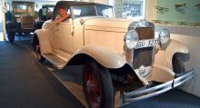 Christer Svensson provsitter en Chevrolet från 1930. Han skulle gärna se den ute på vägarna igen.