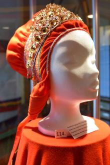 Den här vackra samiska brudkronan visas upp på Sami Museum i Kautokeino.