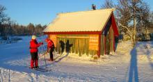 Lena de Rosche, längst bort, gör sig redo för en ny runda på de preparerade Nordic Ski-spåren.