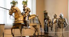 Fortet Veste i Coburg har enorma samlingar av skilda slag; bland annat rustningar för paraderande honoritaries med sina hästar.