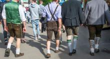 Under den årliga ölfestivalen i Erlangen är alla på fötter.