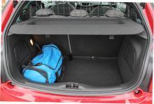 Bagageutrymmet är normalstort för småbilar, 285 liter är vad som ryms.