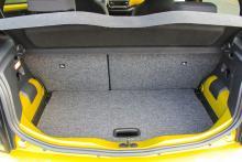 På en mikrobil blir bagageutrymmet litet, 251 liter är vad som sväljs.