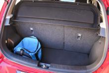 Bagageutrymmet är litet även för småbilsklassen.