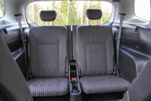 Om alla sittplatser används blir lastutrymmet litet.