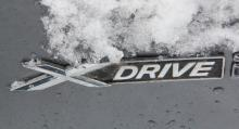 BMW:s fyrhjulsdrift X-Drive är  effektiv i halka.