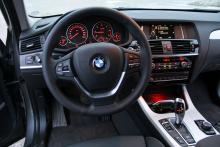 Tydlig och snygg instrumentpanel, som så ofta i BMW.