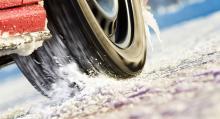 Start på snö och is mäts med hjälp av bilens antispinnsystem.