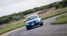 Hanterbarhet på torr väg frestar på när greppet testas till maximal förmåga.