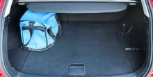 Bagageutrymmet är rätt litet och det är svårt att få plats med större väskor.