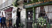 Adress 221b Baker Street lockar turister. Adressen existerar som The Sherlock Holmes Museum men har egentligen en annan fastighetsbeteckning.