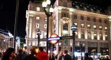 Londons Underground-skyltar är lätta att hitta och tunnelbanan tar oss snabbt dit vi vill.
