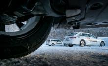 Duster trivs på vinterväg. Lång fjädringsväg med överraskande följsamma rörelser, bra fyrhjulsdrift med spärrmöjlighet mellan fram- och bakhjul, rejält tilltagen markfrigång (21 cm).