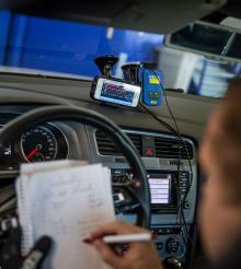GPS-utrustning och g-sensorer i alla ära, lite analogt fältarbete kvarstår.