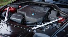Samspelet mellan motor och låda är toppen och den lilla fyran går snålt trots rejält effektuttag.