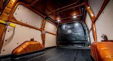 ...bibehålla skåpets lastvolym på sex kubikmeter. Lastkapaciteten är på 1130 kg.