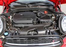 Motorn i Cooper S är varvvillig och stark.